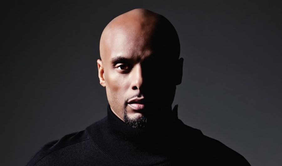 Kenny Lattimore Gives Us a Class in Anatomy